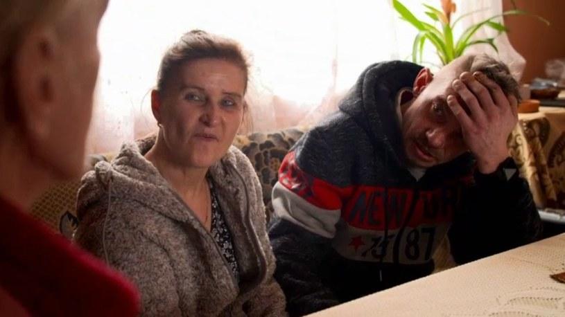 Danusia i Krzysiek z wizytą u mamy Bandziorka /Polsat
