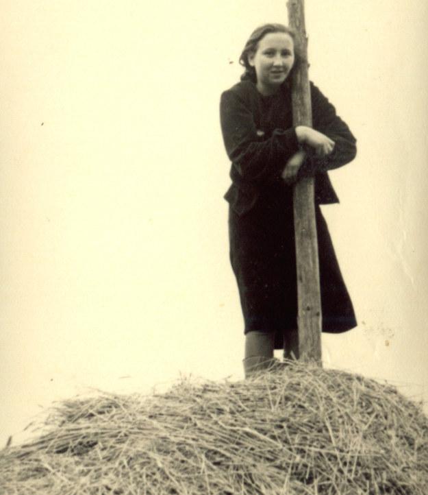 """Danuta Siedzikówna, zdjęcie z roku 1944. Fot. archiwum rodzinne koleżanki """"Inki"""" /materiały prasowe"""