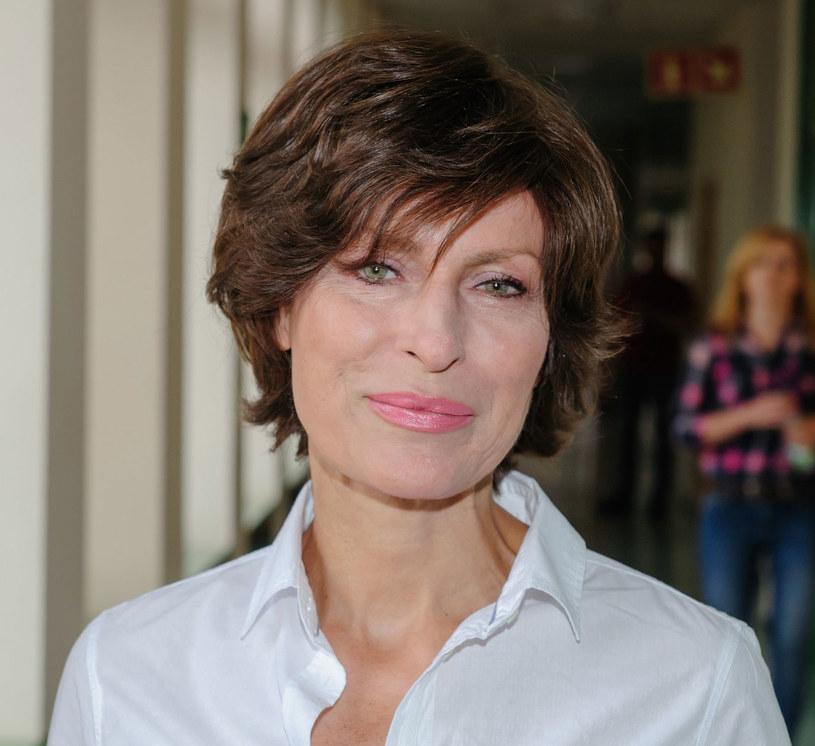 Danuta Stenka (54 lata) to przykład na to, że dojrzała kobieta może wyglądać bardzo atrakcyjnie. /East News