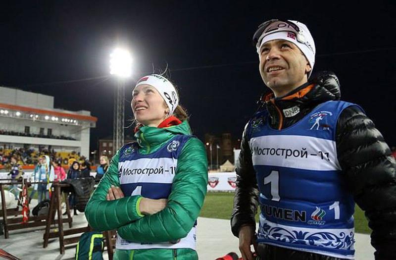 Daria Domraczewa i Ole Einar Bjoerndalen /