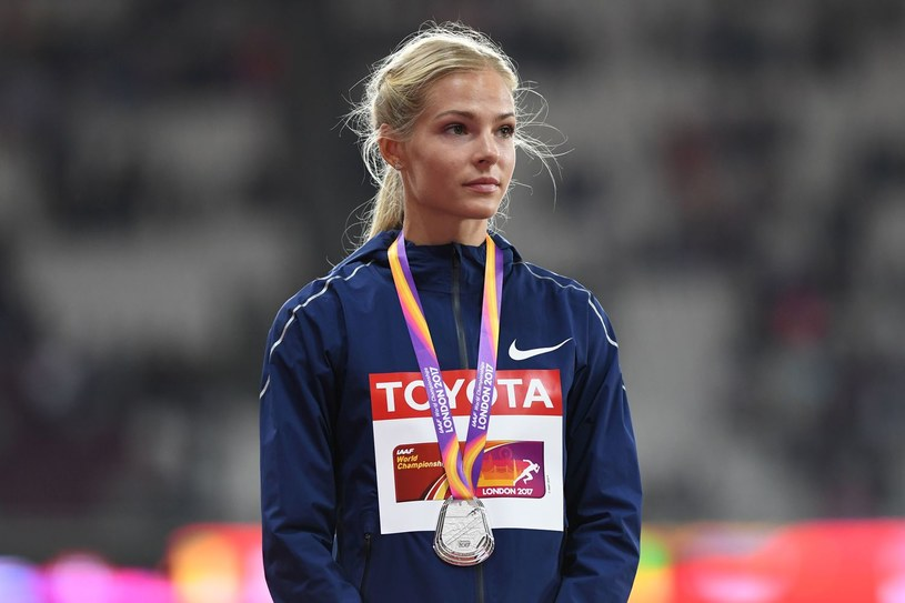 Daria Kliszina na podium londyńskich MŚ /AFP