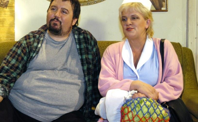 """Dariusz Gnatowski i Marzena Kipiel-Sztuka na planie """"Świata według Kiepskich"""" /Mikulski /AKPA"""