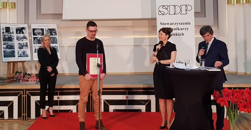 Dariusz Jaroń z Nagrodą SDP /INTERIA.PL