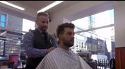 Dariusz Krawczyk - polski barber, który strzyże brytyjskich ministrów