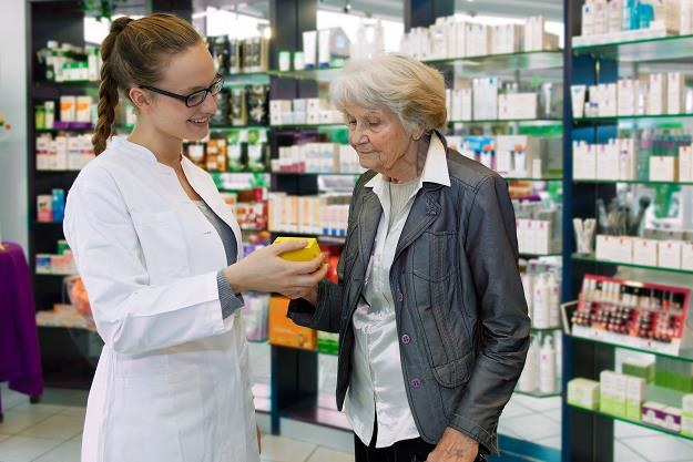 Darmowe leki dla seniorów poprawią jakość leczenia /©123RF/PICSEL
