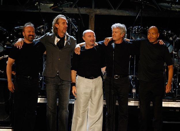 Daryl Stuermer (pierwszy z lewej) w Genesis w 2007 roku - fot. Kevin Winter /Getty Images/Flash Press Media