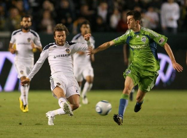 David Beckham (biała koszulka) zaliczył dwie asysty /AFP