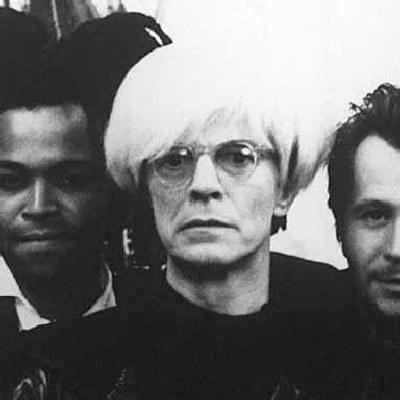 """David Bowie jako Andy Warhol w filmie """"Basquiat"""". /AFP"""