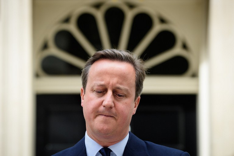 David Cameron przed Downing Street 10 /AFP