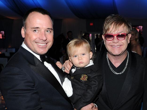 David Furnish i Elton John z synem Zacharym fot. Larry Busacca /Getty Images/Flash Press Media
