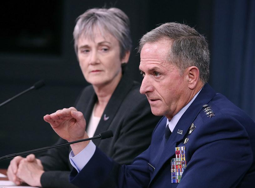 """David L. Goldfein: """"Wierzę, że za kilka lat będziemy walczyć w kosmosie"""" /AFP"""