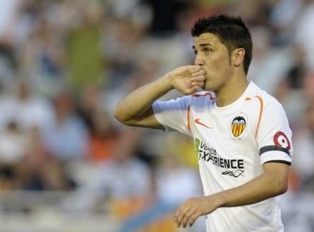 David Villa przechodzi do Realu Madryt. /AFP
