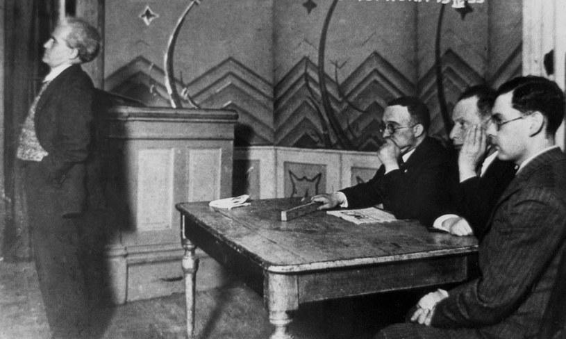 Dawid Ben Gurion (z lewej) podczas spotkania syjonistów w Wilnie. Rok 1933 /AFP
