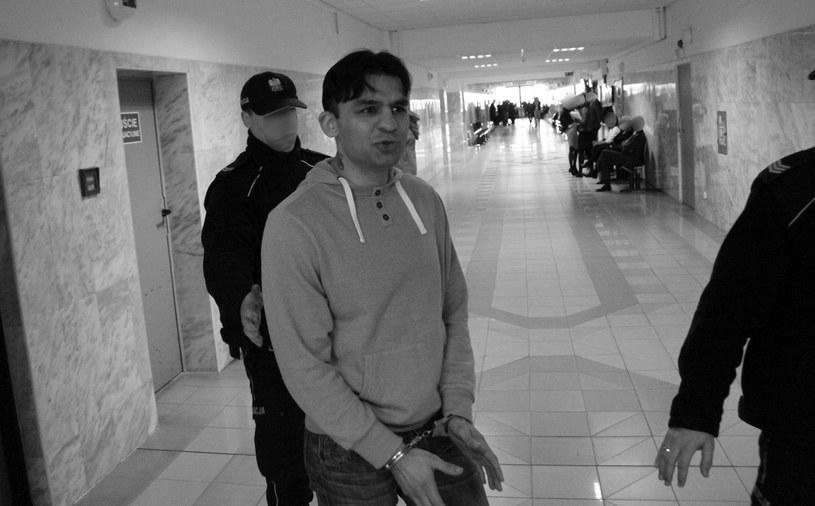 """Dawid """"Cygan"""" Kostecki podczas procesu w 2017 roku / FOT. MARCIN RADZIMOWSKI/POLSKA PRESS /East News"""