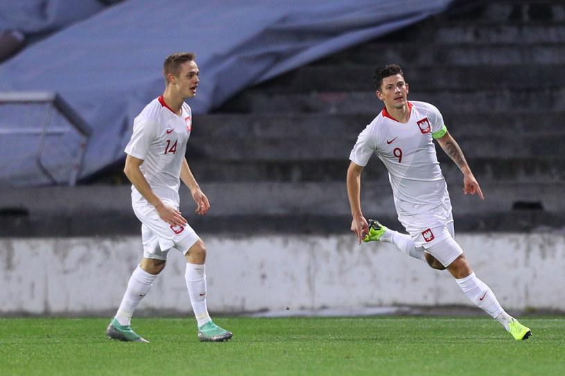 Dawid Kownacki (pierwszy z prawej) strzelił gola na 2-0 dla Polaki /PAP/EPA