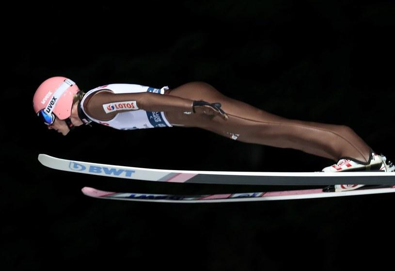 Dawid Kubacki podczas kwalifikacji do konkursu indywidualnego zawodów Pucharu Świata w skokach narciarskich w Wiśle / Grzegorz Momot    /PAP