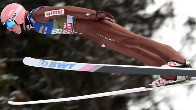 Dawid Kubacki podczas kwalifikacji do Turnieju Czterech Skoczni w Innsbrucku / Grzegorz Momot    /PAP