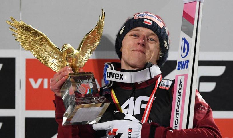Dawid Kubacki wygrał 68. edycję Turnieju Czterech Skoczni /AFP