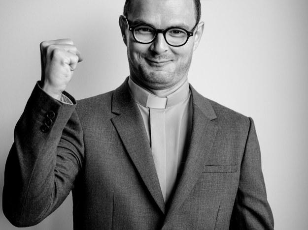 Dawid Ogrodnik jako ks. Jan Kaczkowski /Jacek Poremba /Materiały prasowe
