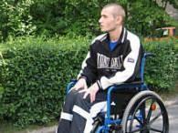 Dawid porusza się na wózku /arch. RMF