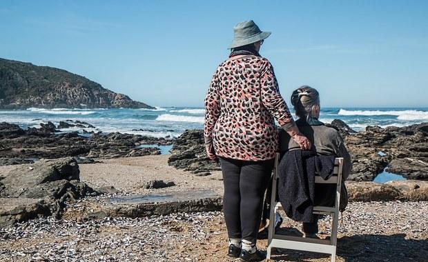 Dbaj o dziąsła, a może unikniesz choroby Alzheimera