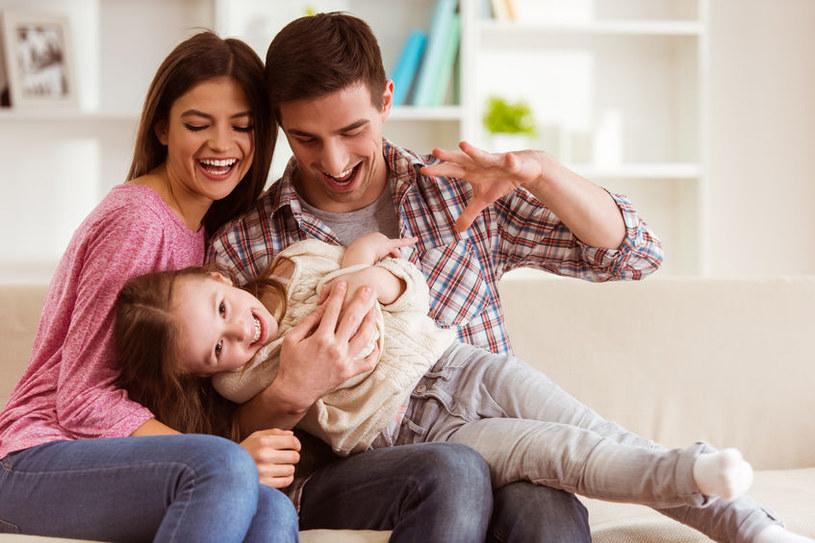 Dbajmy nie tylko o zdrowie dzieci, ale i o nasze własne, bo rodzina to system naczyń połączonych /123RF/PICSEL
