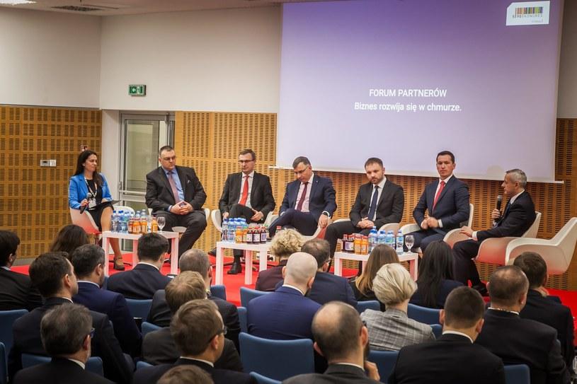 """Debata """"Biznes rozwija się w chmurze"""" podczas Kongresu 590 w Jasionce /Ireneusz Rek /INTERIA.PL"""