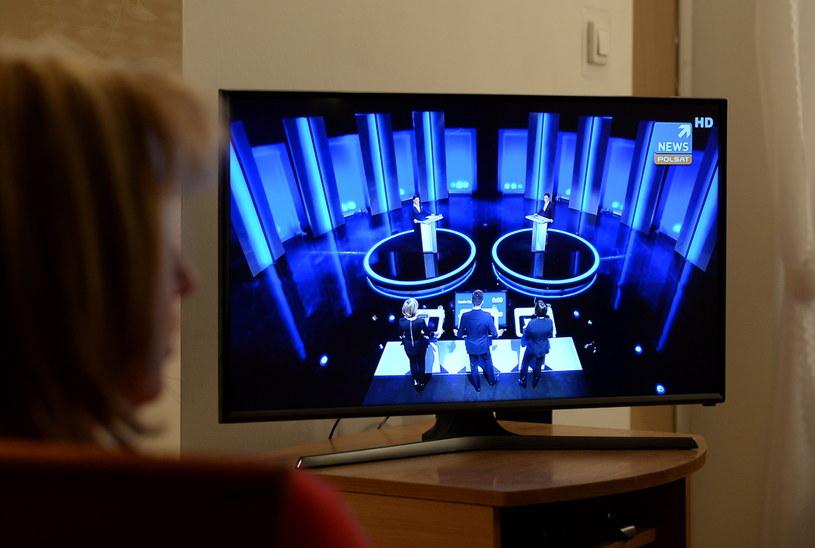 """Debata telewizyjna """"Beata Szydło - Ewa Kopacz. Rozmowy o Polsce"""" transmitowana przez cztery kanały telewizyjne - TVP1, TVP Info, TVN24 i Polsat News /Piotr Polak /PAP"""