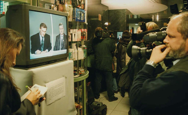 Debata telewizyjna Lecha Wałęsy i Aleksandra Kwaśniewskiego /Janek Skarżyński /AFP
