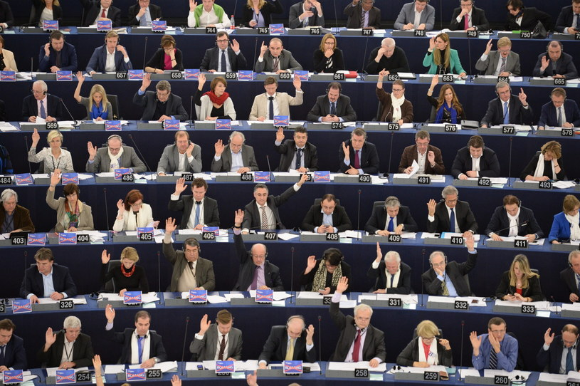 Debata w Europarlamencie /PAP/EPA