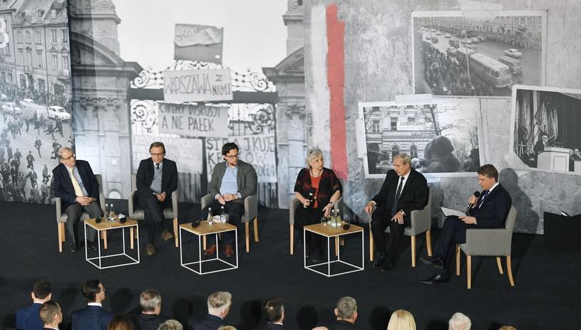 Debata w ramach obchodów 50. rocznicy Marca'68 w Warszawie /Radek Pietruszka /PAP