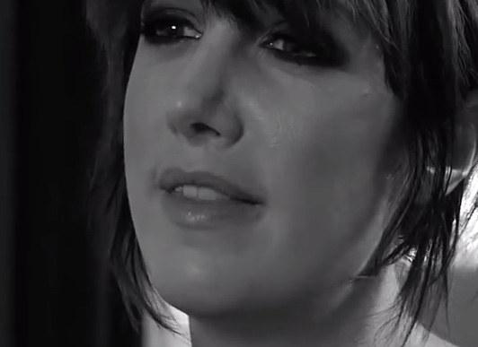 Debra Reiss /Screen z You Tube /INTERIA.PL