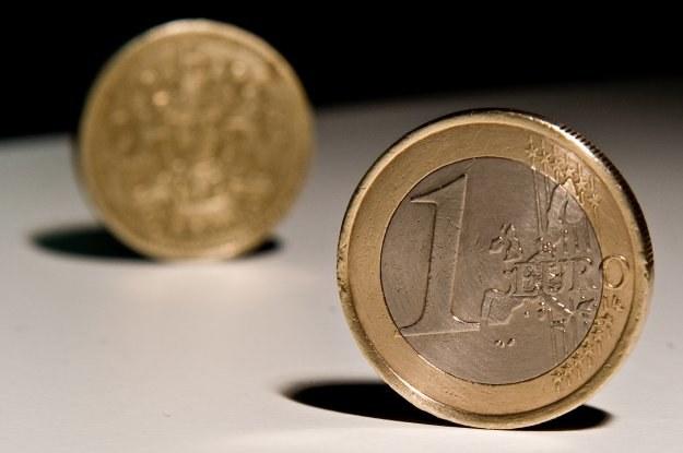 Decyzja agencji Standard&Poor's spowodowała gwałtowną wyprzedaż wspólnej waluty /© Bauer