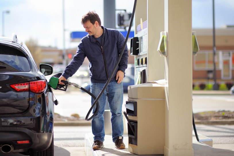Decyzja OPEC może ucieszyć kierowców? /123RF/PICSEL