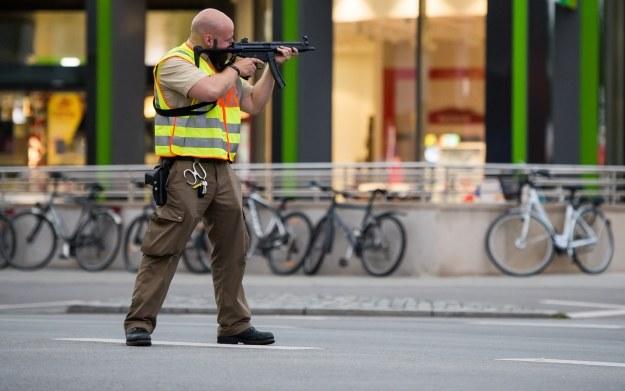 Decyzja organizatora targów jest zrozumiała - chcą zrobić wszystko by zapobiec kolejnym aktom terroru /AFP