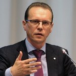 Decyzja ws. opodatkowania oszczędności przeniesiona na szczyt UE