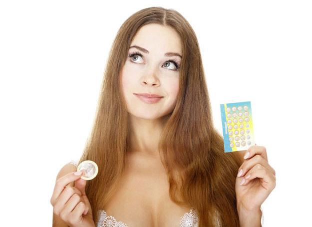 Decyzje o stososowaniu antykoncepcji podczas karmienia skonsultuj z lekarzem /123RF/PICSEL