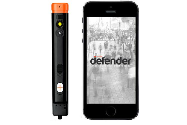 Defender łączy tradycyjną metodę obrony z nowymi technologiami. /materiały prasowe