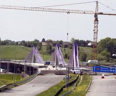 Definitywnie nie wybudują mostu. Kierowcy poczekają rok