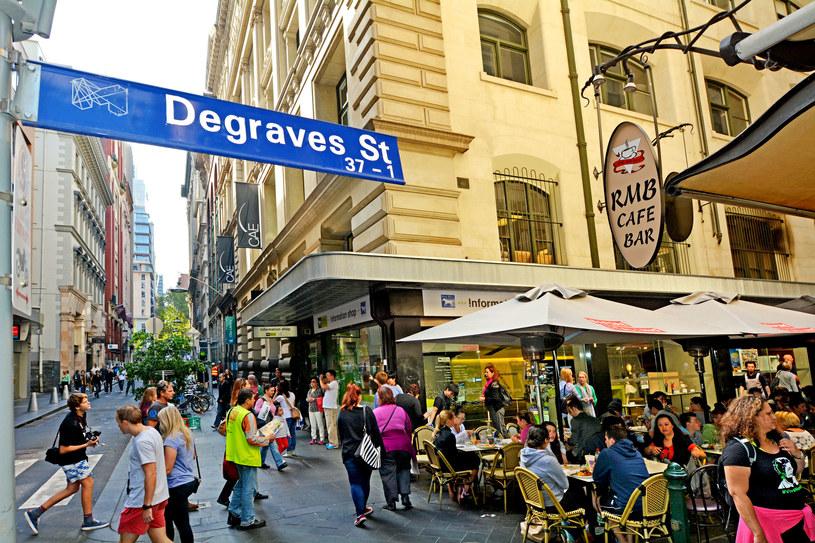Degraves Street w Melbourne pełna barów, restauracji, kawiarni i butików /Rafael Ben-Ari /123RF/PICSEL