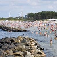 Dekalog bezpiecznego plażowania. Jakich zasad trzeba przestrzegać?