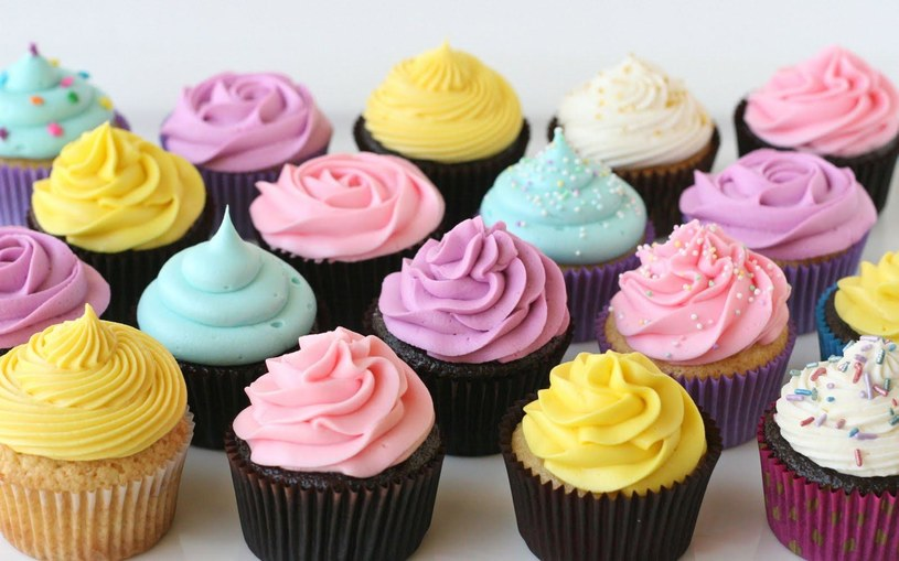 dekorowanie ciastek /© Photogenica