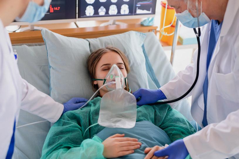 Deksametazon jest skuteczny dla pacjentów z ciężką postacią COVID-19 /123RF/PICSEL