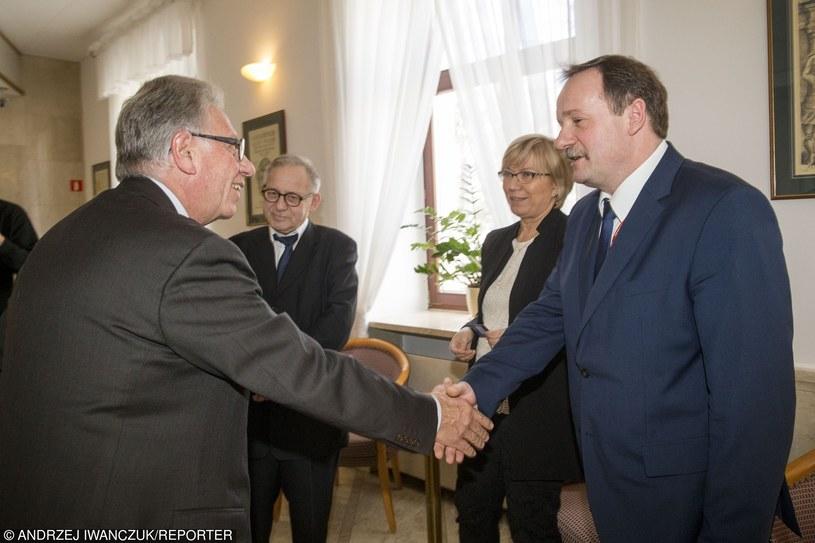 Delegaci Komisji Weneckiej podczas spotkania z sędziami TK /Andrzej Iwańczuk /Reporter