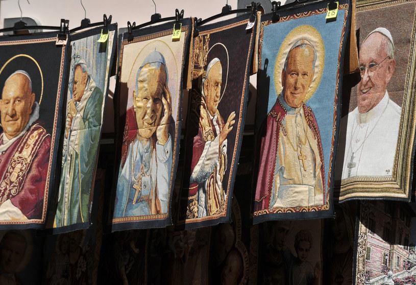 Delegacje 93 państw na kanonizacji Jana Pawła II i Jana XXIII /AFP