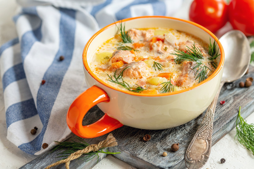 Delikatna kartoflanka z łososiem /123RF/PICSEL