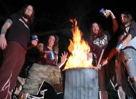 Demiricous nie oszczędzają thrashowych riffów /
