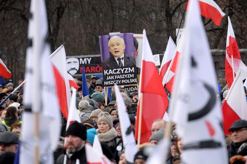Demonstracja KOD w Warszawie /Marcin Obara /PAP