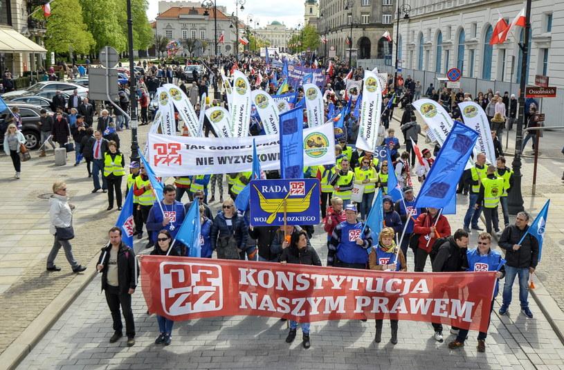 Demonstracja OPZZ w Warszawie /Marcin Obara /PAP