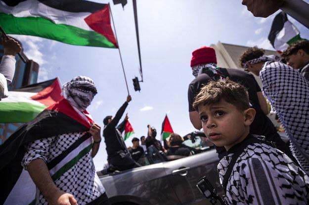 Demonstracja poparcia dla Palestyńczyków w Los Angeles /ETIENNE LAURENT /PAP/EPA